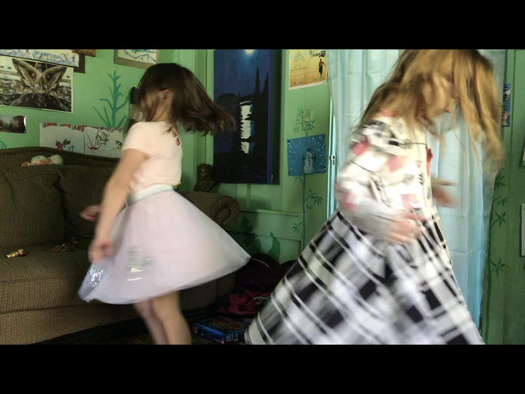 Twirly girly by pandorasecho
