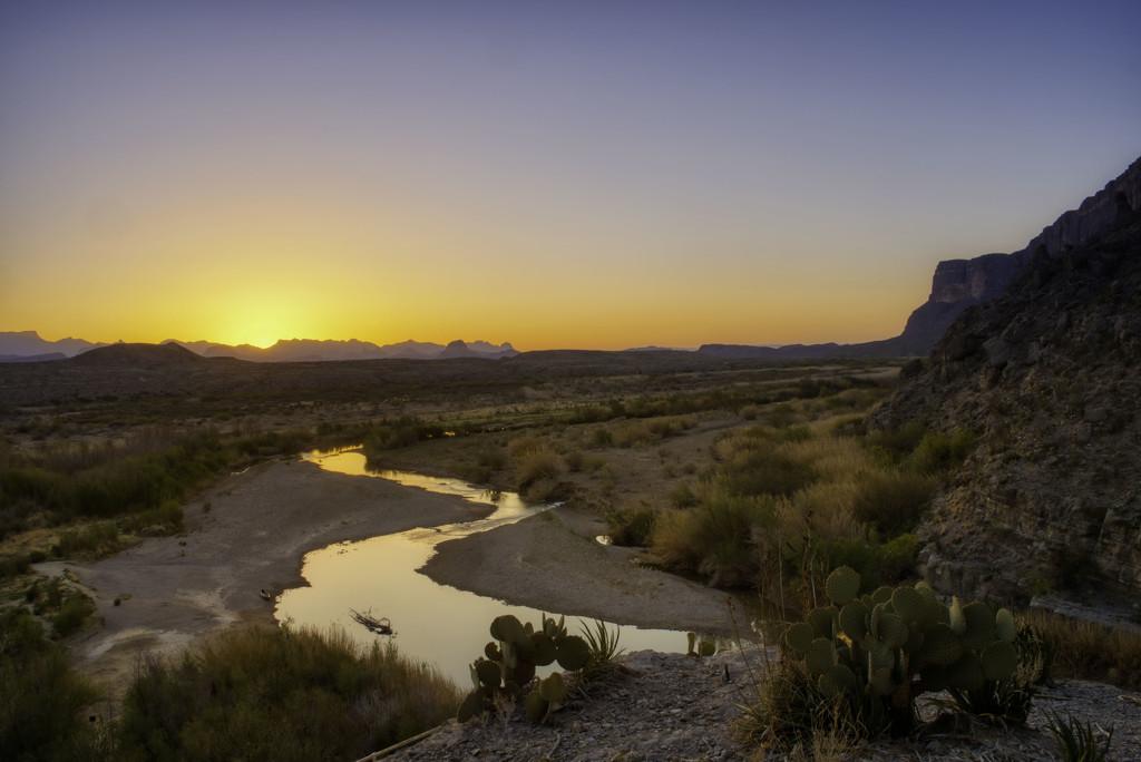 Santa Elena Canyon at Sunrise by kvphoto