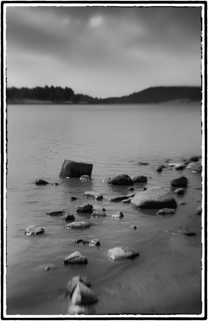 Lensbaby Lake by joysabin