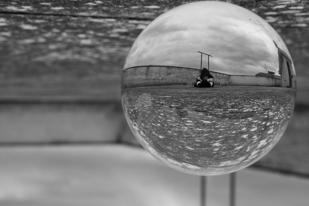 Inside a crystal ball by frappa77
