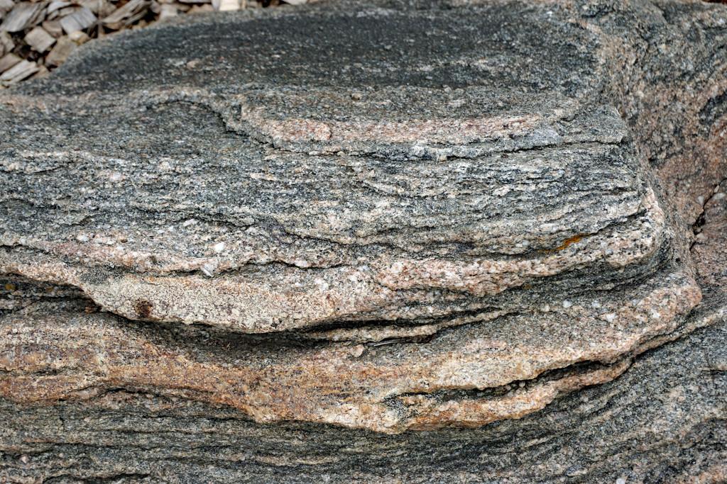 Sedimentary bolder by larrysphotos