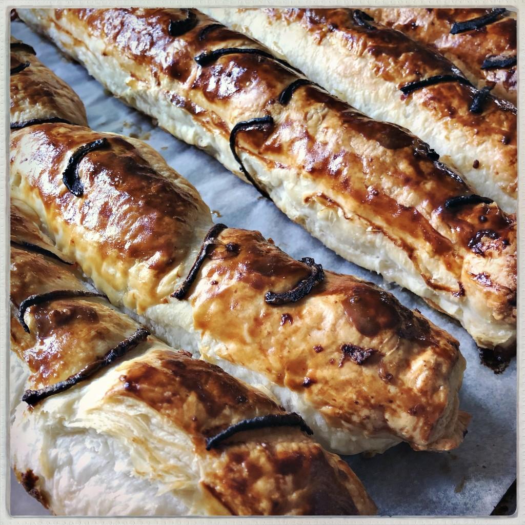 Sausage bread by mastermek