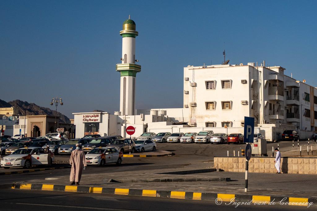 Across the fishmarket in Mutrah by ingrid01