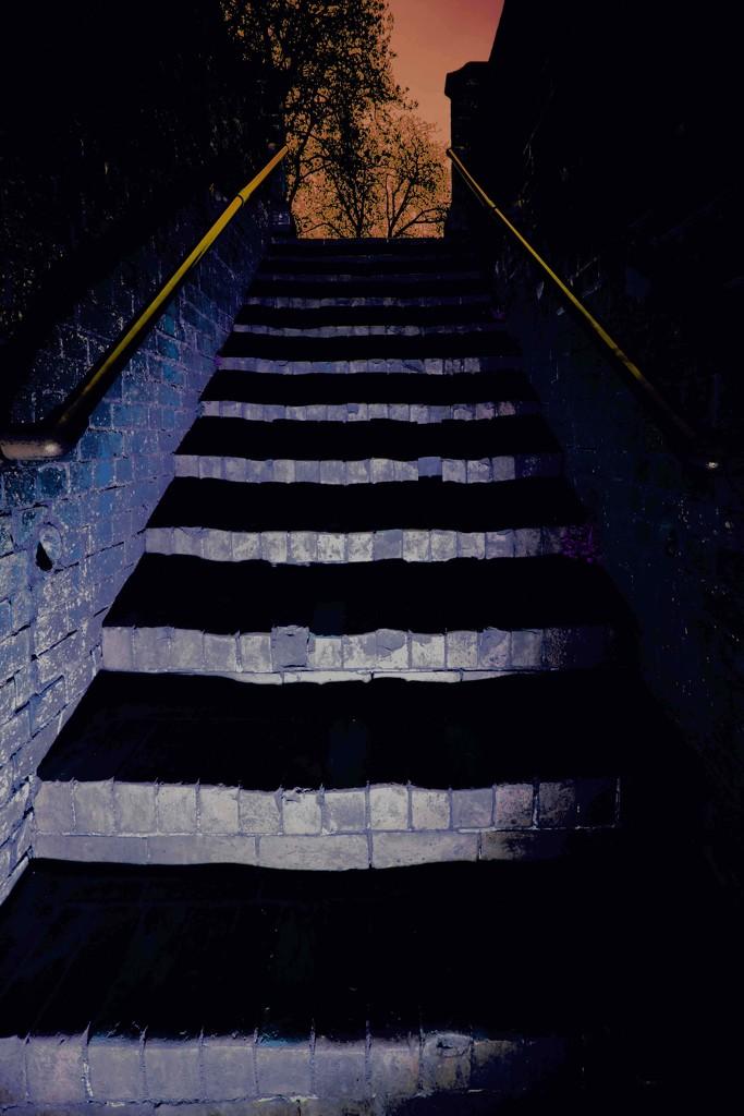 Spot light  by moonbi