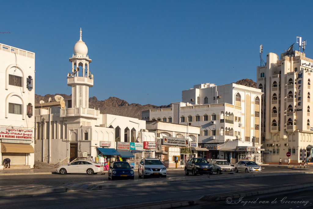 Across the fishmarket in Mutrah #2 by ingrid01