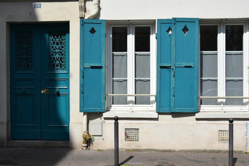 living in blue by parisouailleurs