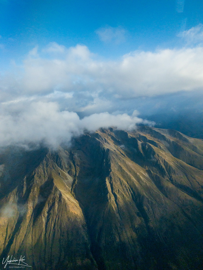 Flying into Queenstown by yorkshirekiwi