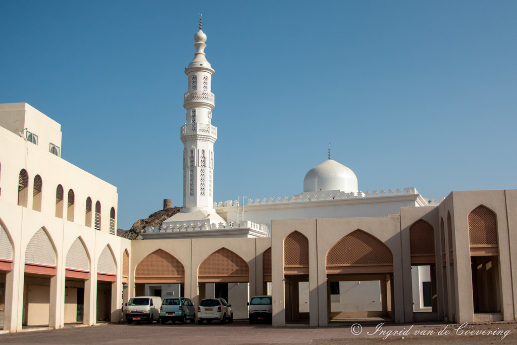 Another mosque in Mutrah by ingrid01