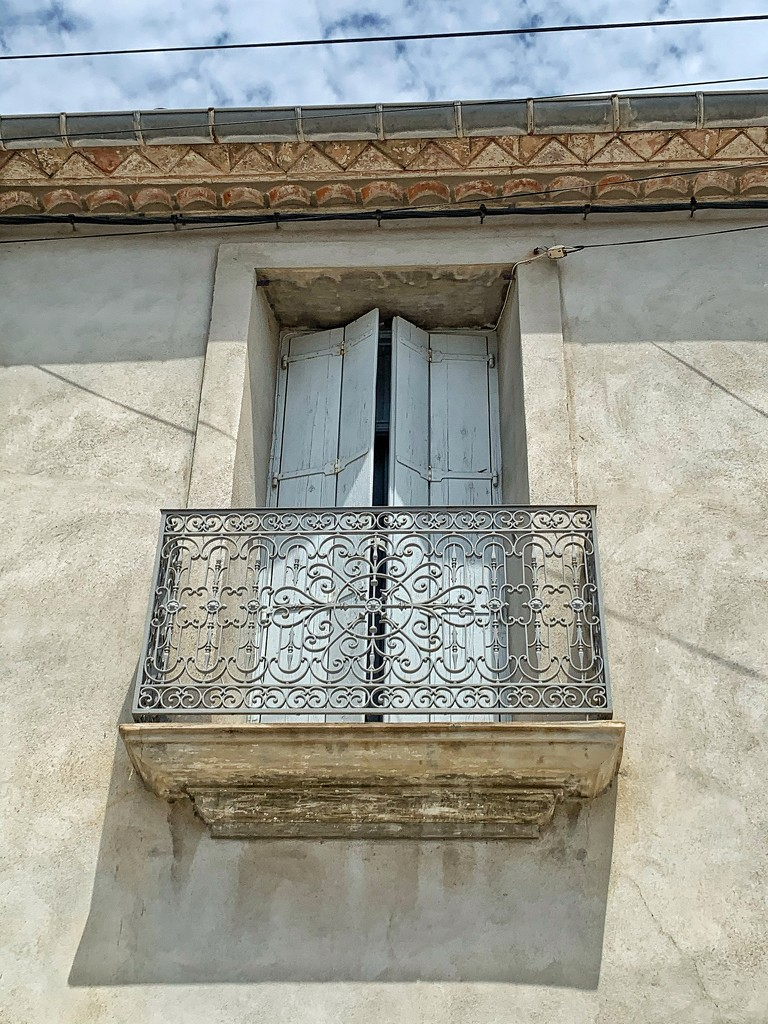 Two hearts on the balcony.  by cocobella