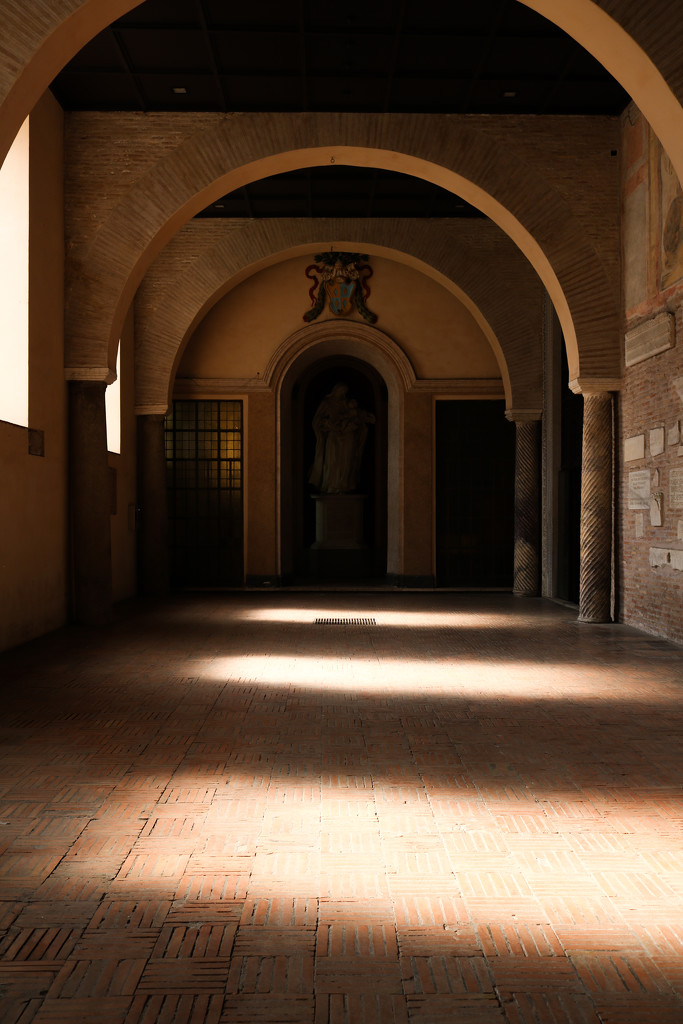 Light and shadow by frappa77