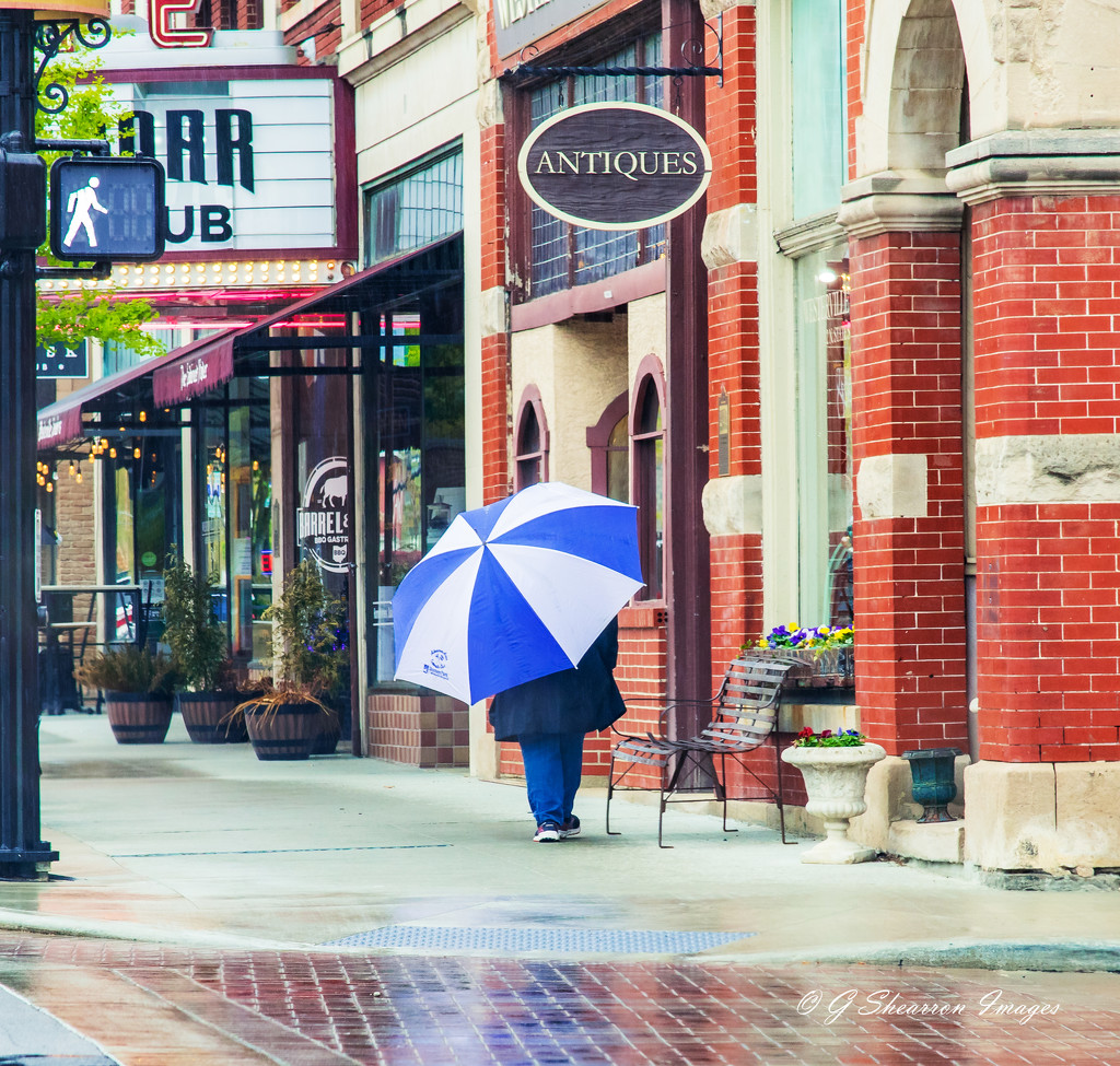 Uptown stroll on a rainy afternoon by ggshearron