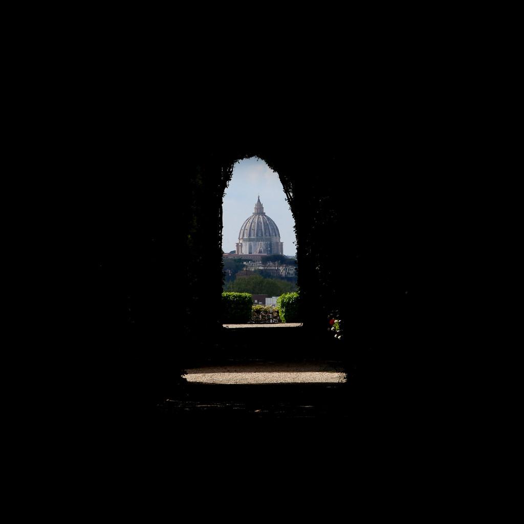 Secret keyhole by frappa77