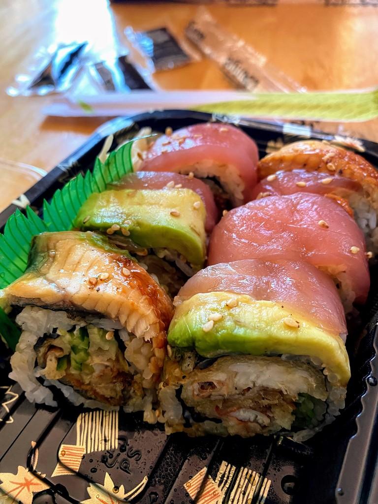 Sushi by thaitanical