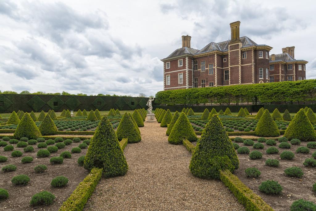 The formal gardens at Ham House by rumpelstiltskin