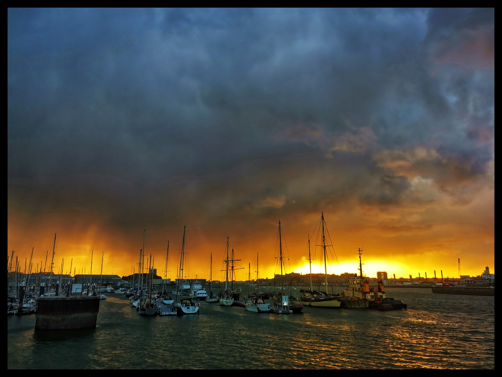 Cold Front  by simonpz