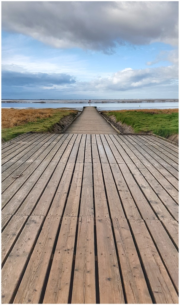 A stroll along the prom in Lytham at 6.30am this morning. So quiet - definitely the time to visit by lyndamcg
