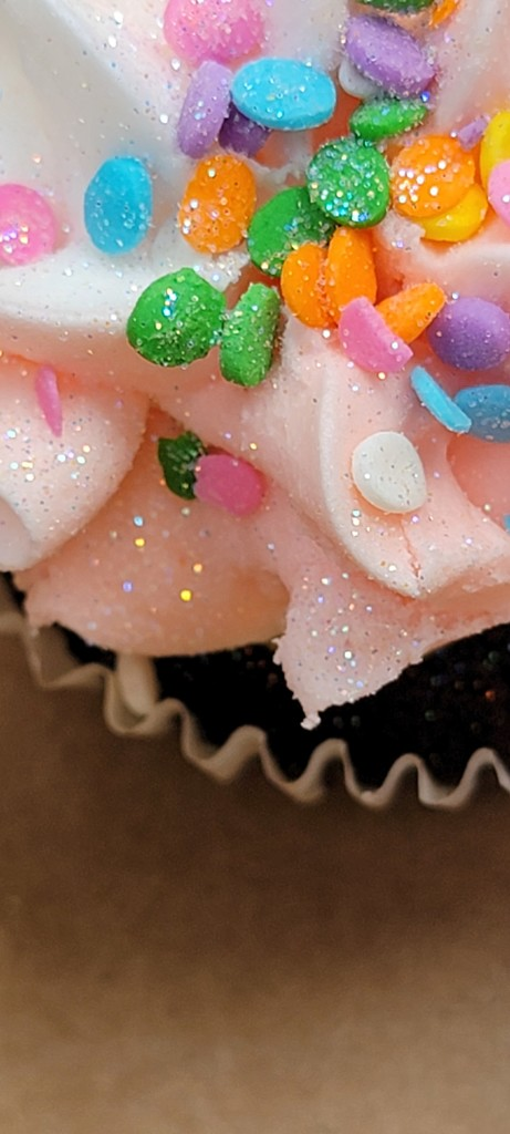 Mother's Day Cupcake by gq