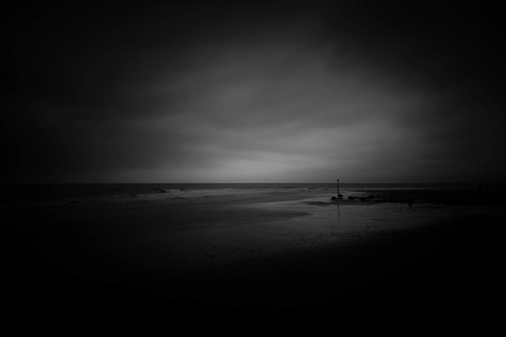 Dark sky by stiggle