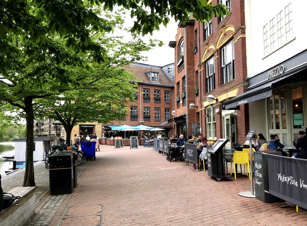 Street Scene by arkensiel