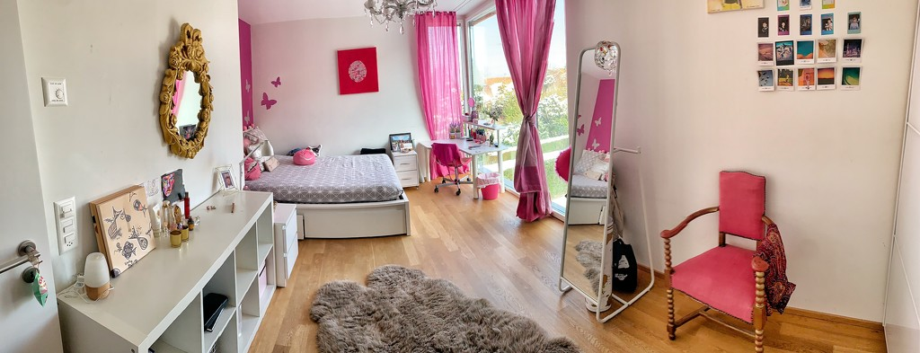 Alix's bedroom.  by cocobella