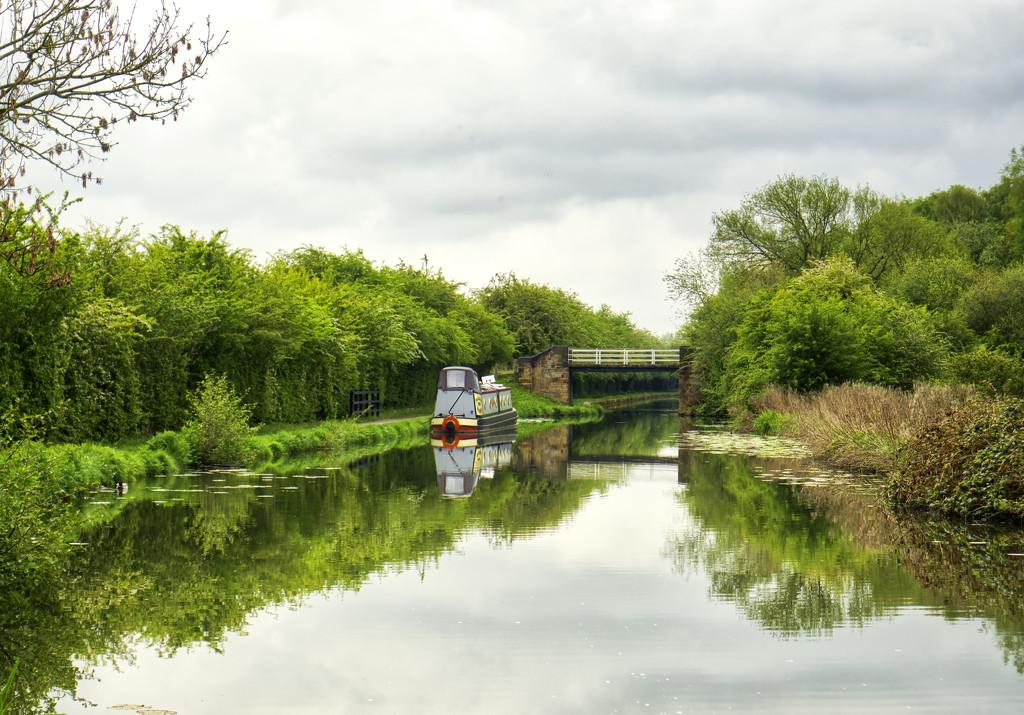 Canal Boat. by tonygig