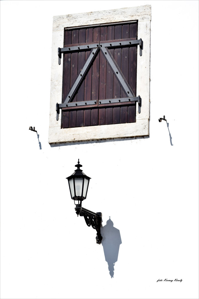 Just a window and a lamp by kork