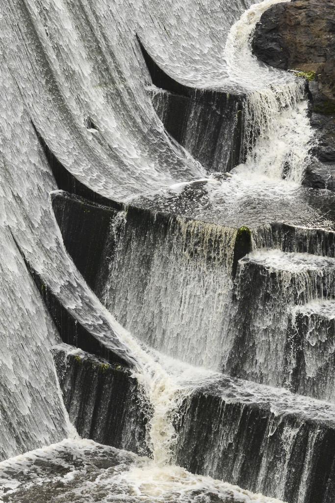Wappa Dam by jeneurell