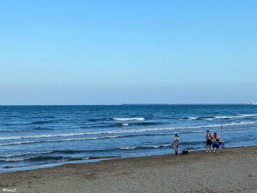 A walk on the beach by monicac