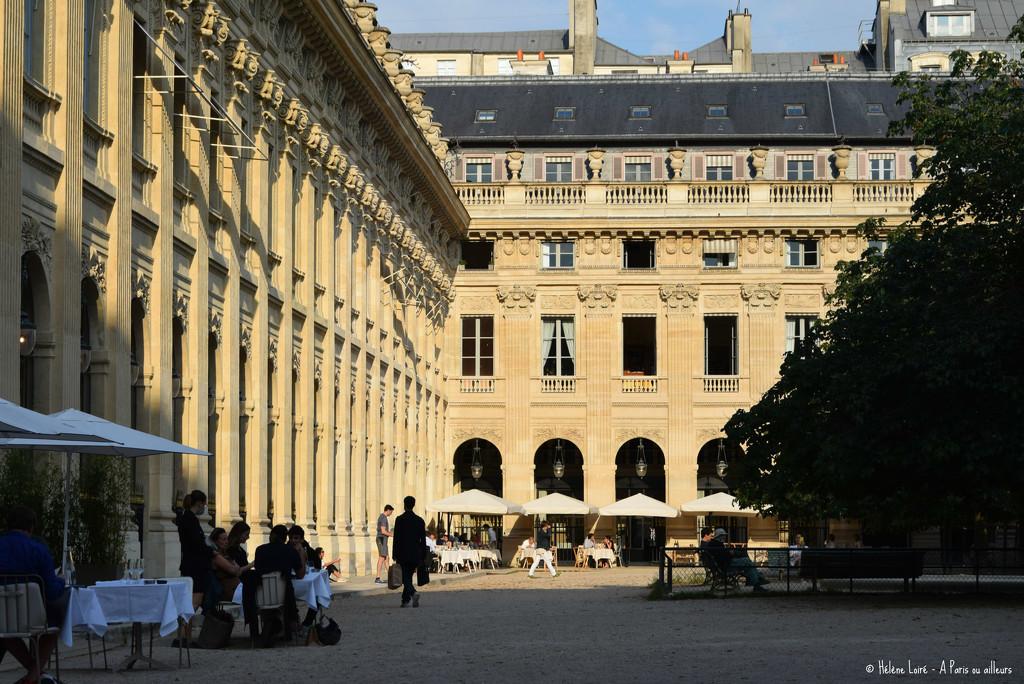 al fresco in the Palais Royal garden by parisouailleurs