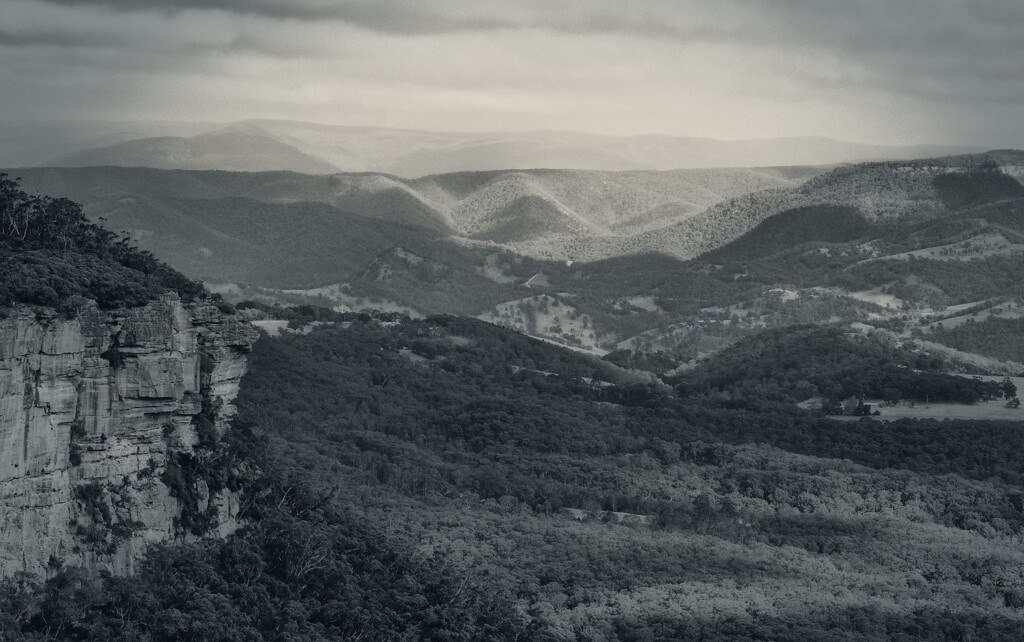 View over the  Kanimbla Valley by annied