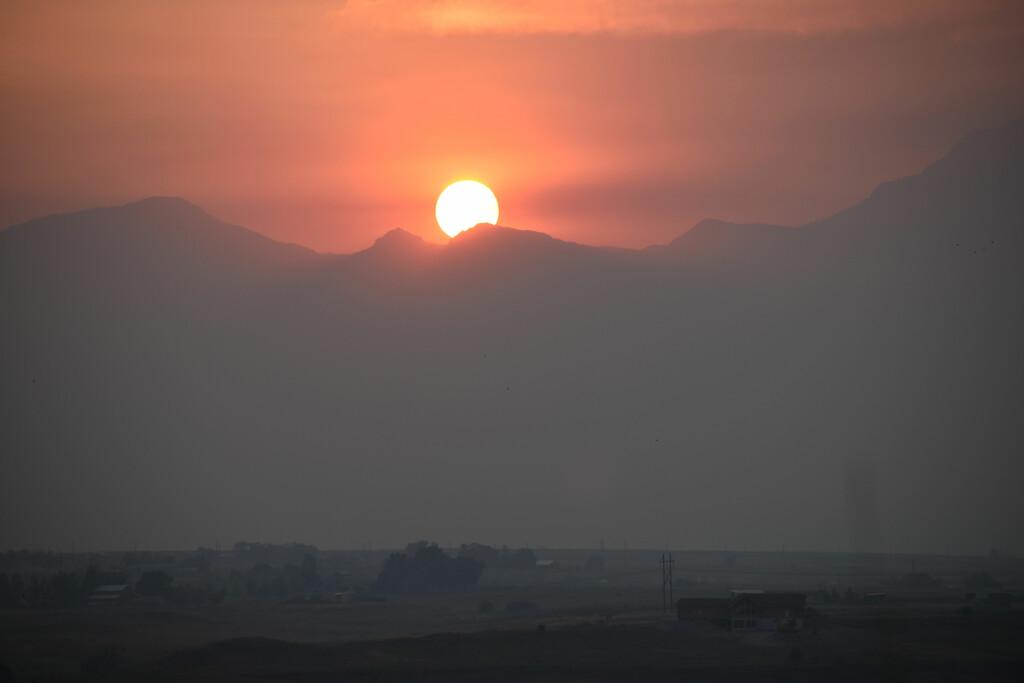 Smoky Sunrise by bjywamer