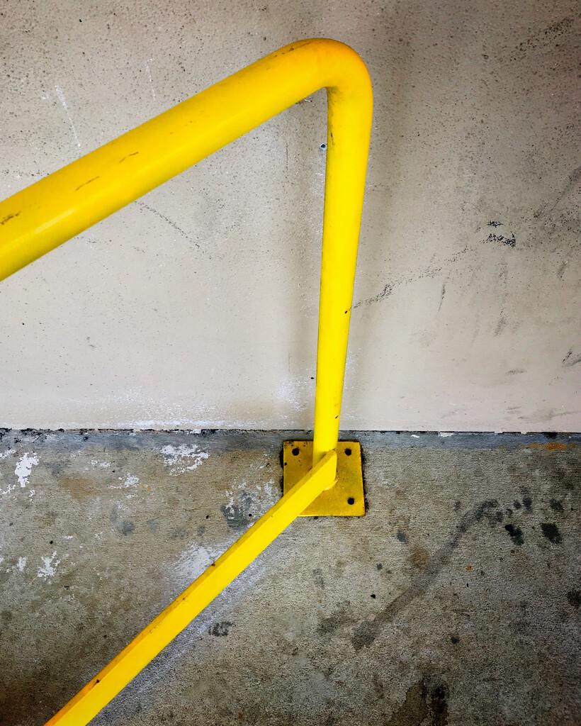 Yellow by joemuli
