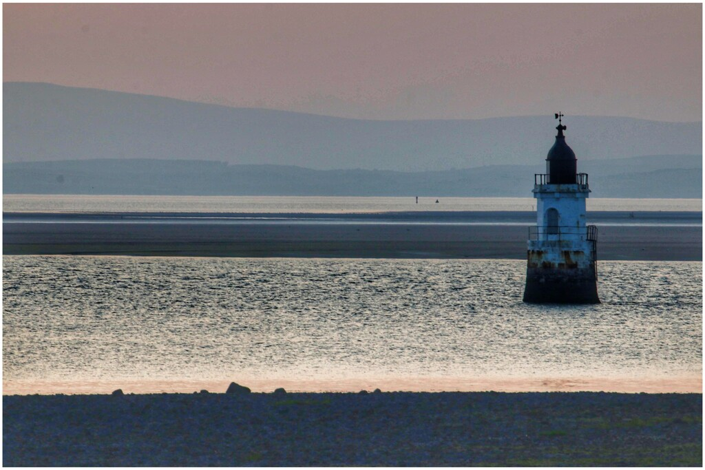 A nice evening with the camera club last night at Plover Scar lighthouse. And a wonderful breeze later on after an extremely hot day! by lyndamcg