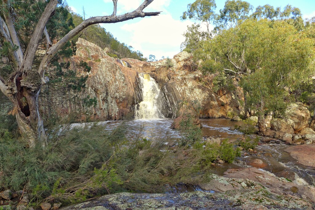 Koorawatha Falls by leggzy