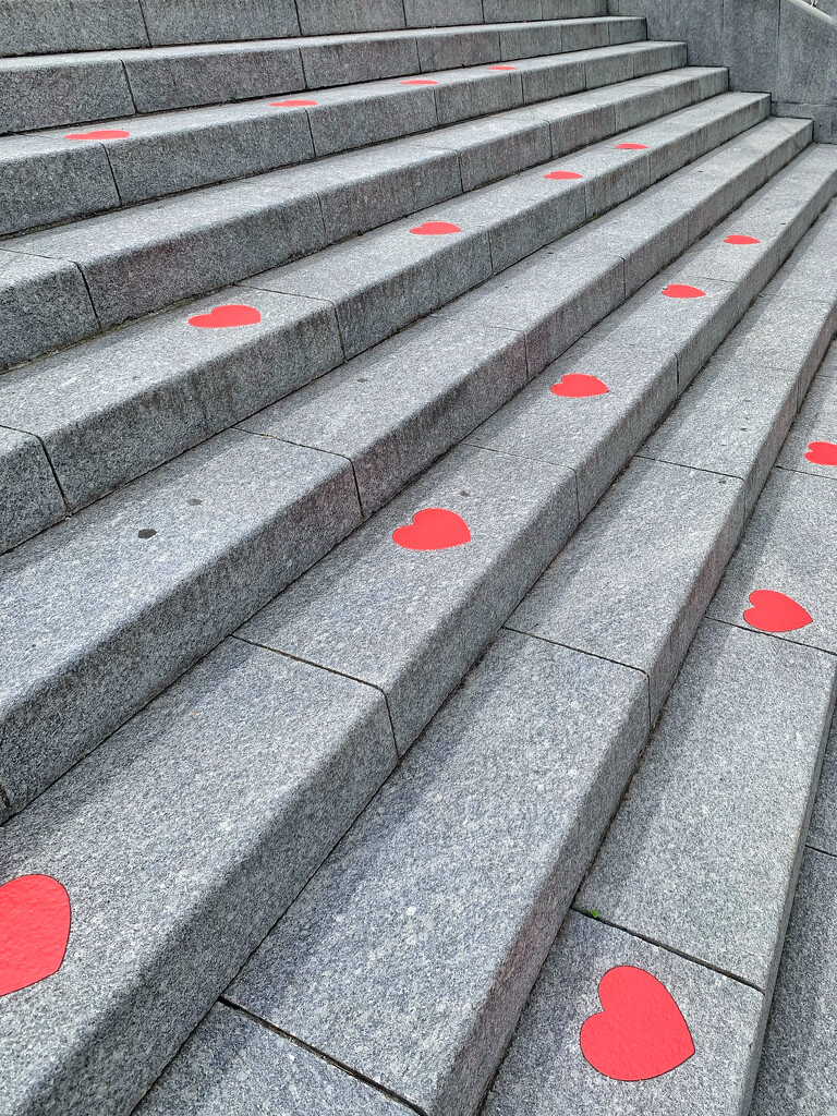 Hearts on steps.  by cocobella