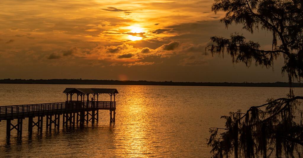 Got a Sunset Tonight! by rickster549