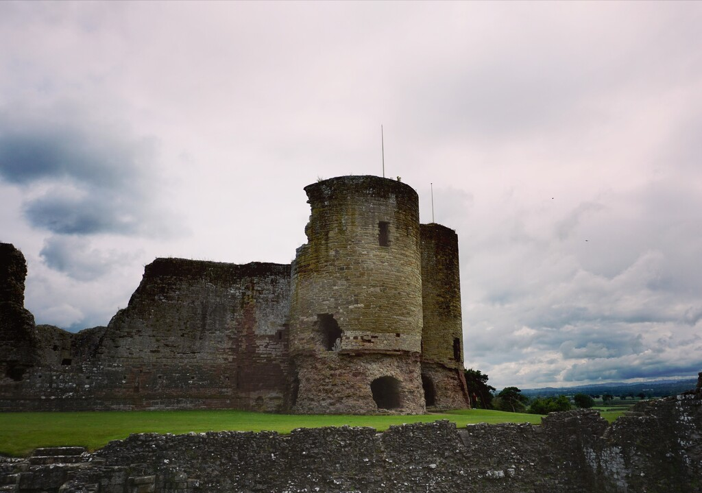 Rhuddlan Castle  by chesney_7