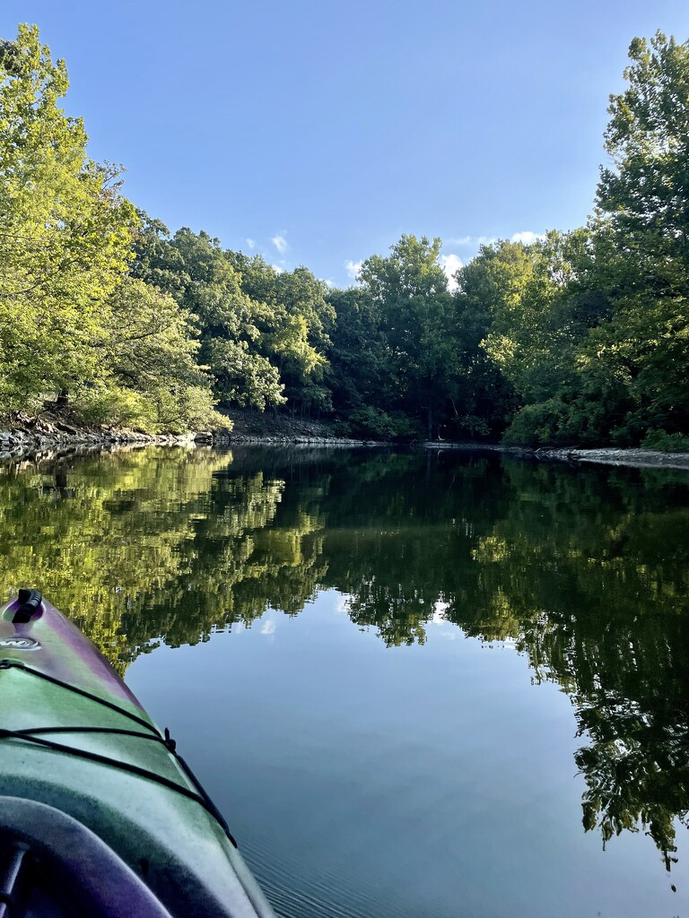 Early morning paddle by samae