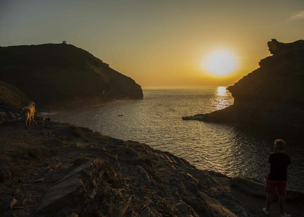 Sunset in Boscastle  by shepherdmanswife