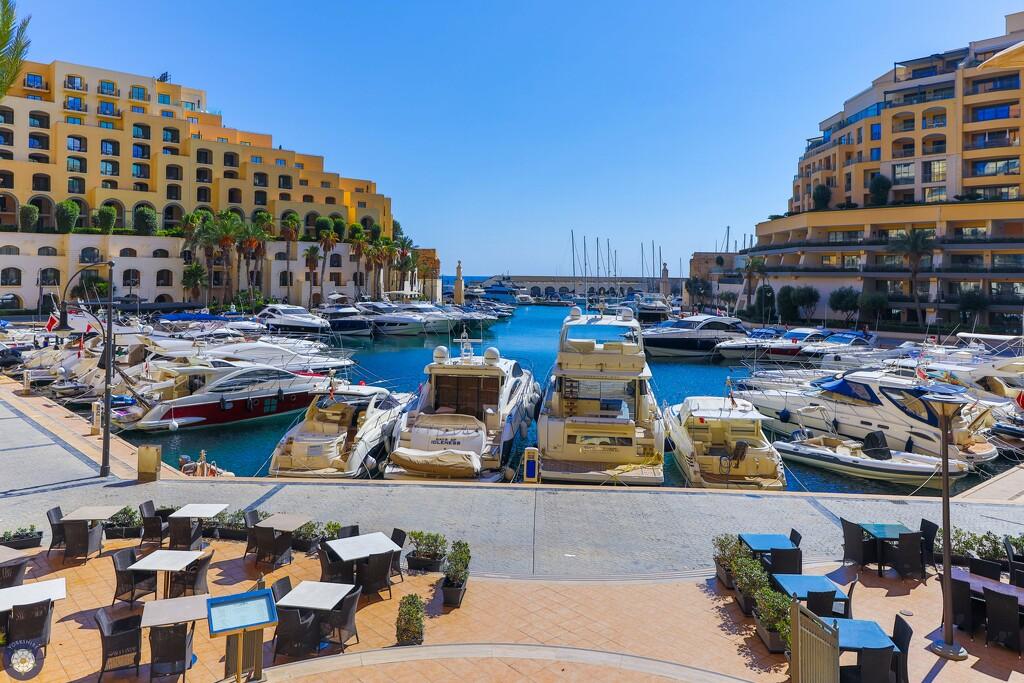 Marina, Malta by lumpiniman