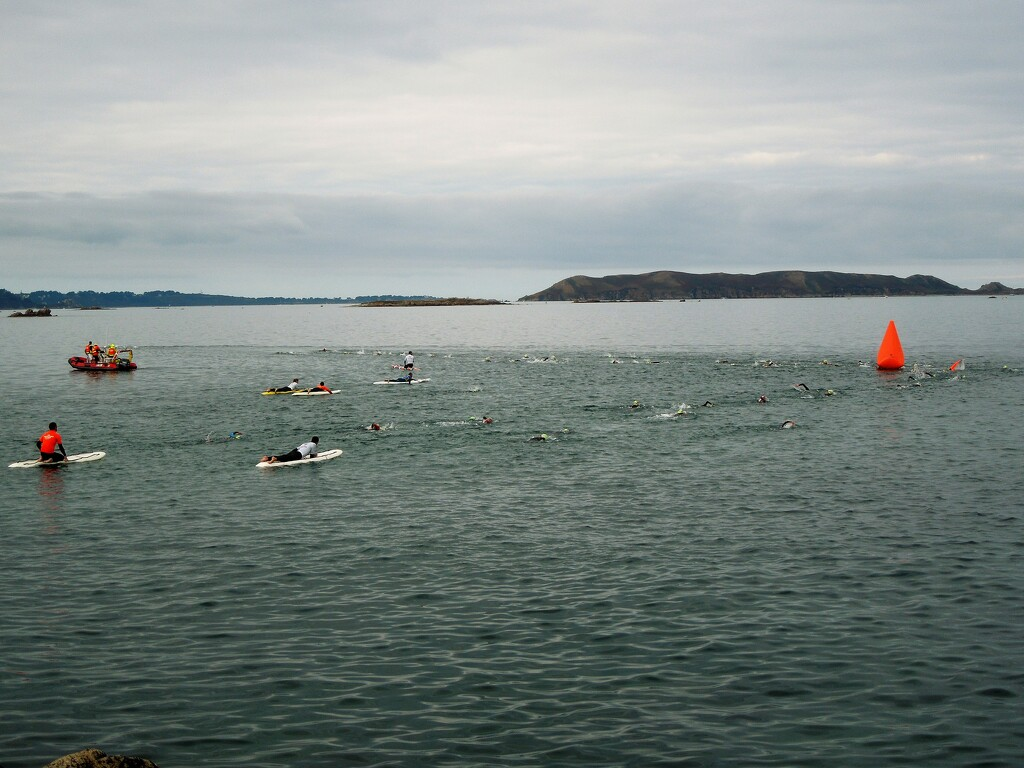 Open Water Swimming : safety by etienne