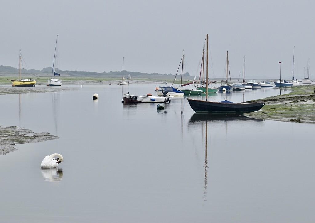 Calm waters by wakelys