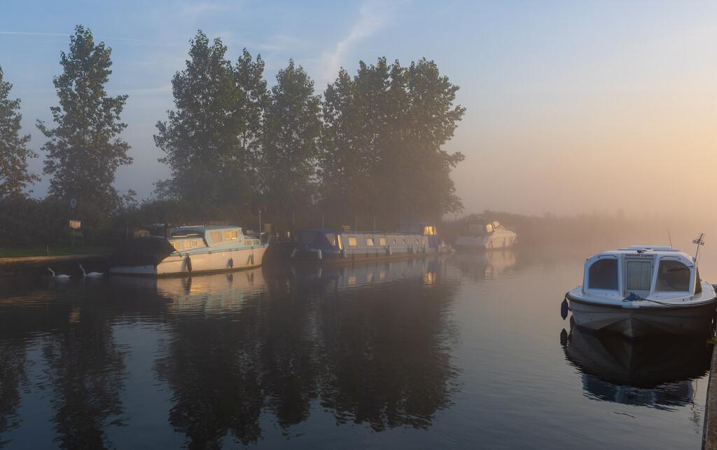 Beccles at dawn by peadar