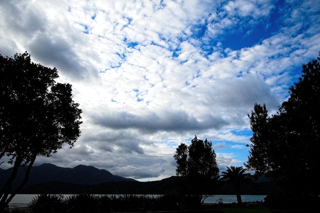 Cloudscape by kiwinanna