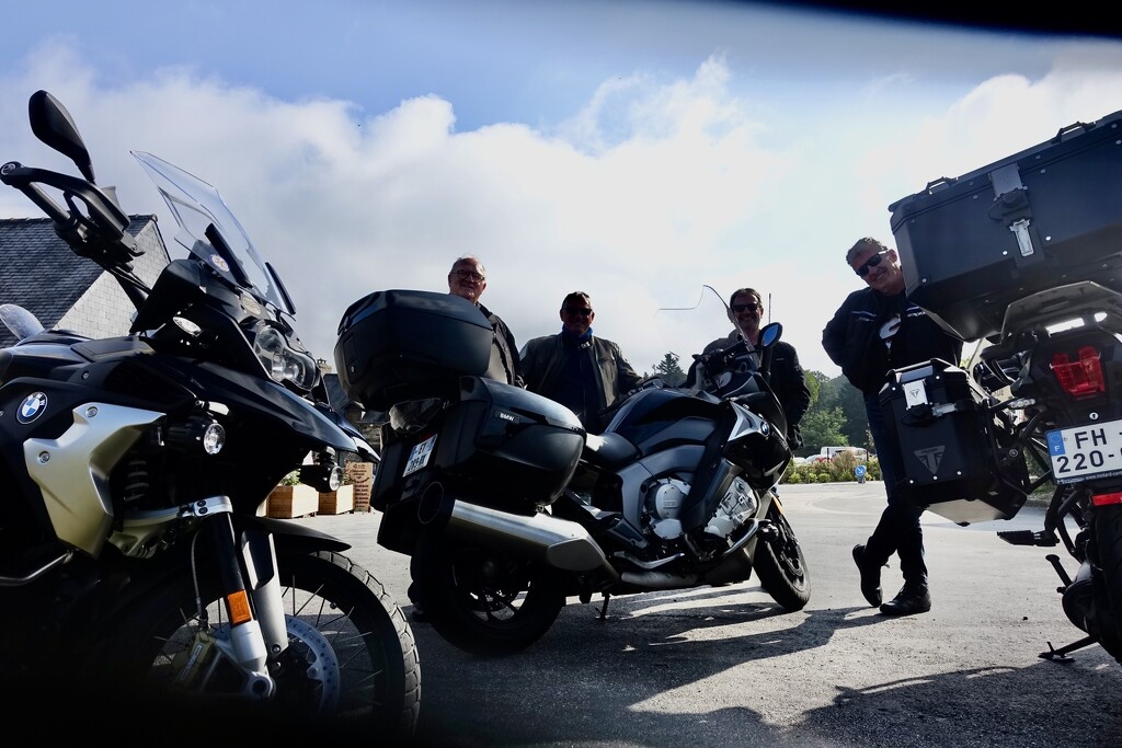 Visiting Bikers by s4sayer