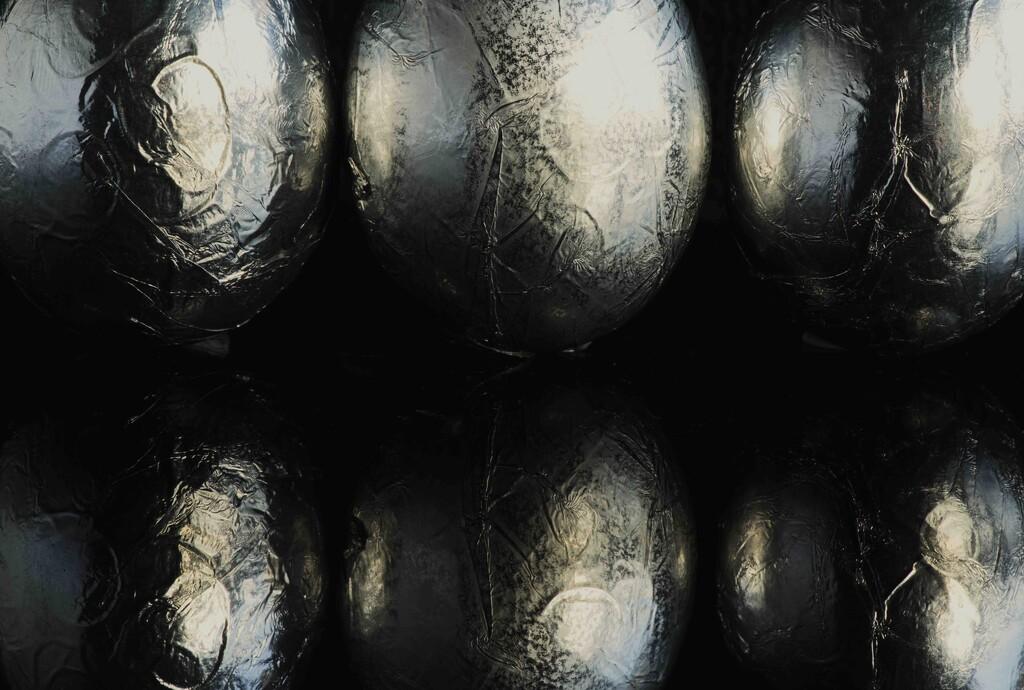 Refl-egg-tion by moonbi