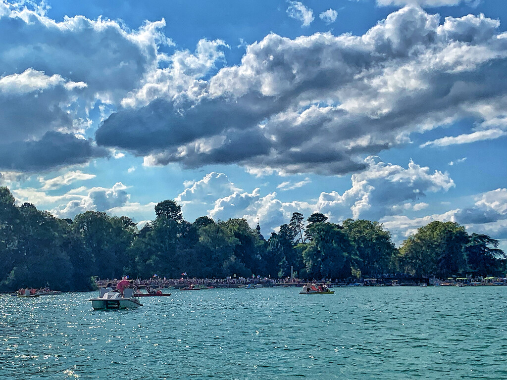 Annecy lake.  by cocobella