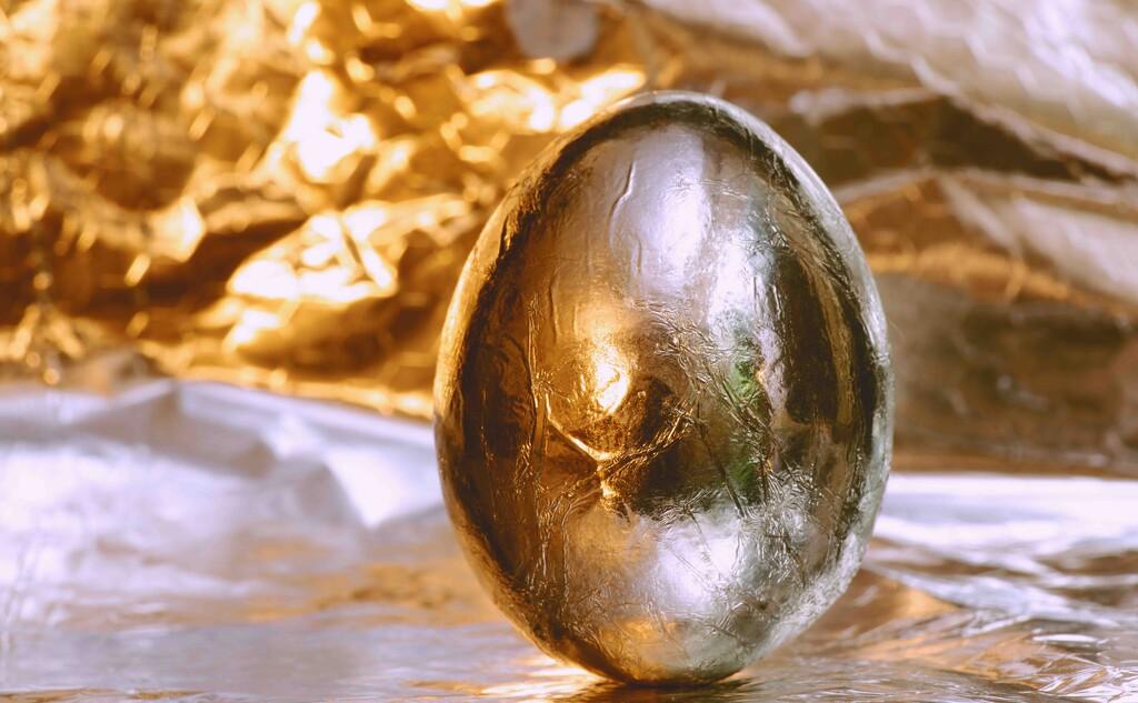 Egg-streme by moonbi