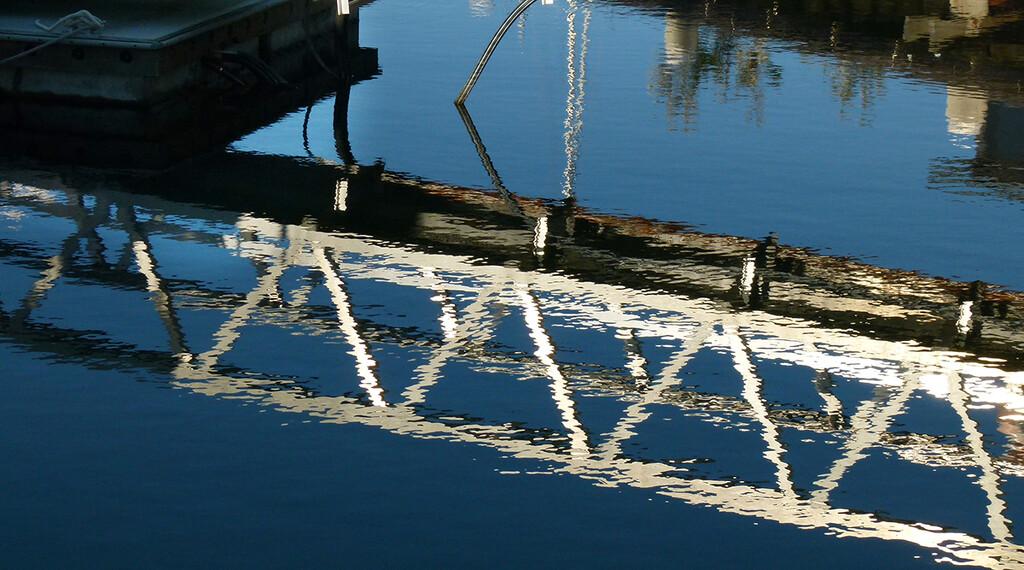 Wavy Gangplank by onewing