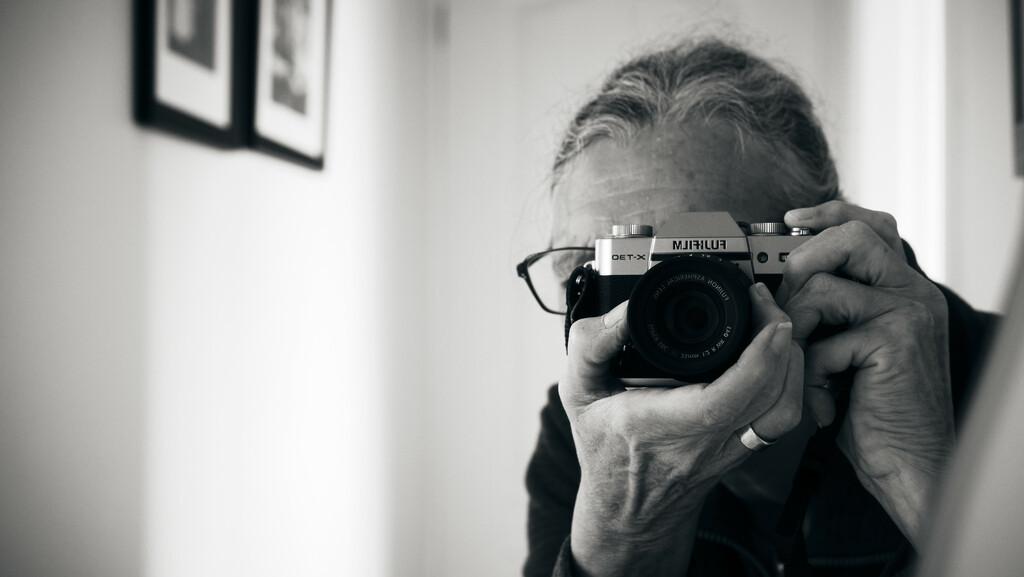 Faceless Portrait by kametty
